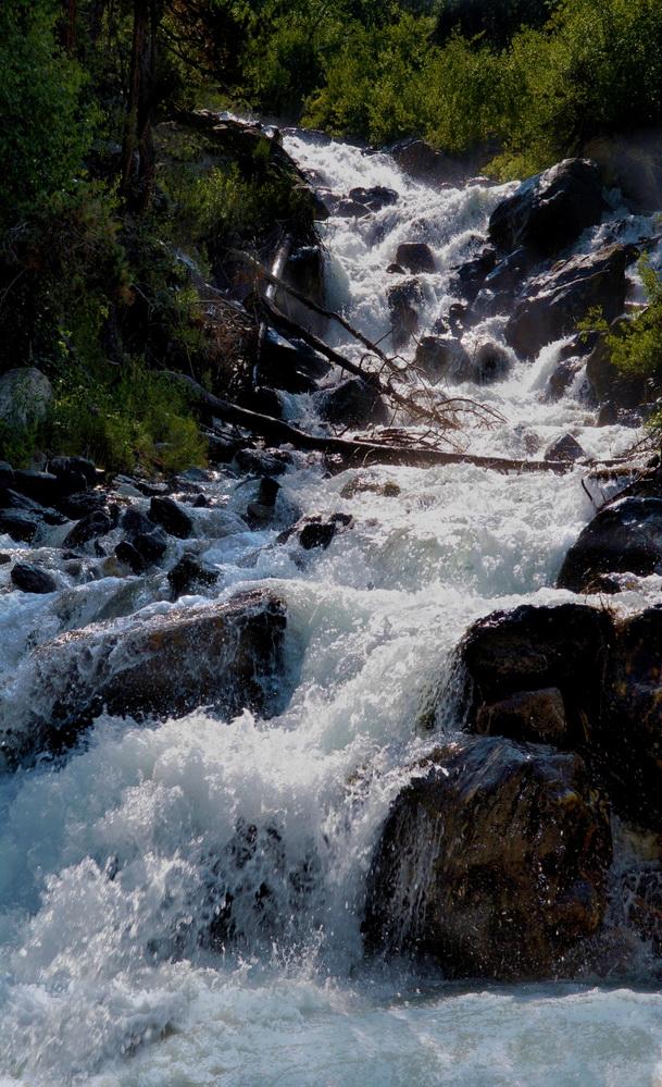 burnyi-vodopad